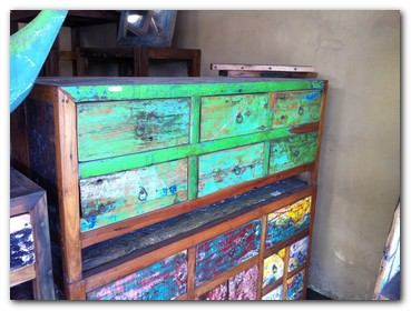salvaged-wood-furniture-3