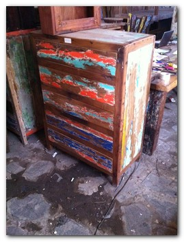 recycled-boat-furniture-1a