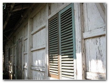 bali-wooden-houses-11