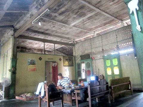 buy good quality traditional joglo house in bali 5