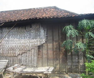 want to buy traditional joglo house in bali 2