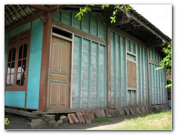 bali-wooden-houses-2